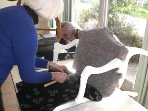 Cours de tapisserie d'ameublement à TREGASTEL nov-dec-2012-021-300x225
